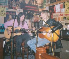 Dave Grohl & Kurt Cobain accoustic jam. In another life, kurt woulda been for me