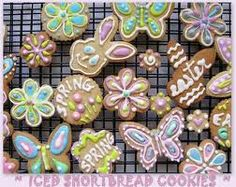 ground 1 cup plain flour tsp baking powder A pinch of salt 1 tsp almond essence; Iced Shortbread Cookies, Happy Spring, Happy Easter, Brown Sugar, Whole Food Recipes, Biscuits, Food Photography, Sweet Treats, Baking