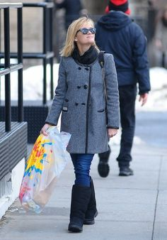 Couple Reese Witherspoon and Jim Toth do some Valentine's Day shopping in New York City, New York on February 14, 2014.