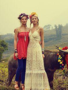 boho chic! love flower headbands and lace dress