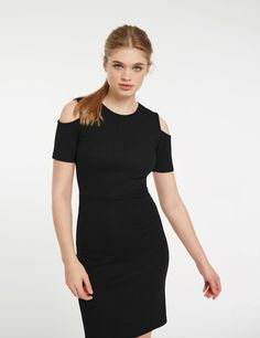 robe tube avec ouverture dos noire - http://www.jennyfer.com/fr-fr/vetements/robes/robe-tube-avec-ouverture-dos-noire-10013247060.html