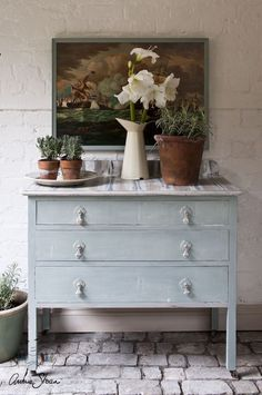 A chest of drawers finished in Duck Egg Blue Chalk Paint® decorative paint by Annie Sloan with various colors on the top Chalk Paint Projects, Chalk Paint Furniture, Furniture Projects, Furniture Makeover, Paint Ideas, Annie Sloan Paint Colors, Chalk Paint Colors, Annie Sloan Chalk Paint, Distressed Furniture