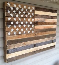 I saw this kind of pallet wooden creation at the front door of a US marine who is one of my acquaintances and is also a part time wood…