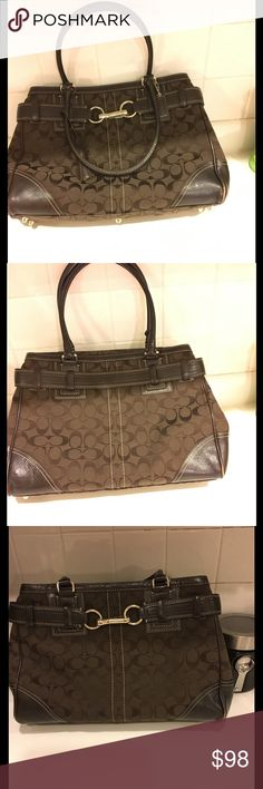 Coach Handbag Beautiful, Brown Coach Bag. Pre-owned but no stain at all.you can send reasonable offers Coach Bags Shoulder Bags