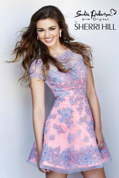 Super cute. Sadie Robertson is the new face for Sherri Hill ... You go girl!!!❤