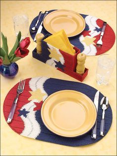 Americana Picnic Set Plastic Canvas Pattern Download from e-PatternsCentral.com -- Craft a star-spangled, red, white and blue picnic this Fourth of July by stitching a dynamic patriotic table set.