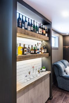 Amazing Home Bar Design Ideas For Your Home Basement Bar Plans, Basement Bar Designs, Basement Remodeling, Finished Basement Bars, Diy Home Bar, Home Bar Decor, Bars For Home, Bar Embutido, Bar Sala