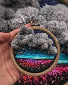 Artista russo leva bordado ao limite, fazendo com que pareça pintura Russian artist takes embroidery to the limit, making it look like painting The post Russian artist takes embroidery to the limit, making it look like painting appeared first on Home. Russian Embroidery, Crewel Embroidery, Hand Embroidery Designs, Cross Stitch Embroidery, Embroidery Patterns, Embroidered Flowers, Textile Art, Needlepoint, Needlework