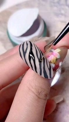 Rose Nail Art, Gel Nail Art, Nail Art Diy, Gel Nails, Cute Acrylic Nails, Nail Art Designs Videos, Nail Art Videos, Stylish Nails, Trendy Nails