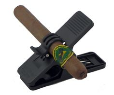Use on the golf course, boat or in the yard! The Cigarminder keeps your cigar in place anywhere you go with it, it is the ultimate all-purpose cigar clip. Color: Black