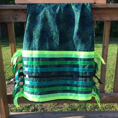 This green ribbon skirt turned out so beautifully Native American Patterns, Native American Clothing, Native American Regalia, Native American Design, Native American Crafts, Native American Fashion, Green Ribbon, Ribbon Work, Applique Skirt