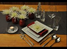 Holiday Guide: 11 Table Setting And Tablescape Ideas #HolidayDecor