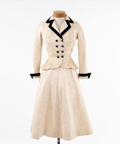 Ivory brocaded silk day suit (website by Doris Yee)
