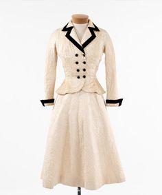 Ivory brocaded silk day suit (website by Doris Yee)
