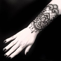 70 Luxurious Lace Tattoo Designs – You Have Never Been This Pretty Before Check more at http://tattoo-journal.com/best-lace-tattoos/