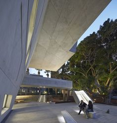 Issam Fares Institute – American University of Beirut / Zaha Hadid Architects