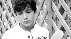 He looks so saddddd !!!! I'll cheer him upppp!!!<333333 I love you austin!!! you are EVERYTHING any girl could ever need or wanntttttt !!!! :) your amazingggg and your extremely hot:)) :)) :D :D ;D XDXDXD I love you with all my heart and I'm your biggest fan everrrrrrrrr !! kiss kiss babe -maddi amberson<3