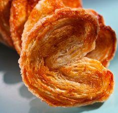 Palmeritas de hojaldre, para desayunos y meriendas muy dulces - Recetín