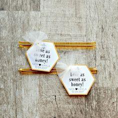 Summer Wedding Favors, Honey Wedding Favors, Edible Wedding Favors, Custom Wedding Favours, Wedding Gift Boxes, Wedding Favors For Guests, Wedding Favor Tags, Fall Wedding, Modern Wedding Favors