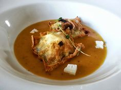 Mushroom & Goats cheese crispy wontons with whisky & pumpkin sauce http://www.curlykale.net/ramble/kitchen-play/