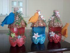 casinha de garrafa pet e pássaros de feltro