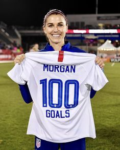 Usa Soccer Team, Soccer Players, Soccer Training Drills, Soccer Problems, Alex Morgan Soccer, All American Girl, Football Girls, One Team, Role Models