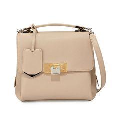Piccola, deliziosa, assolutamente femminile: oggi vogliamo raccontarvi di come la bella borsa...