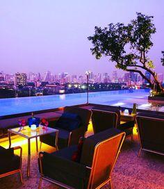 Colocamos este hotel na nossa lista dos desejos. A linha luxo e design da Sofitel SO. Este roof topp com piscina fica em Bangkok.  Decorado por Christian Lacroix kids corner e SPA.  Só falta conferir. @sosofitelbangkok  Você tem uma lista de hotéis dos sonhos? #wishing #wishlist #hoteisdeluxo #tophotels #bangkok #asia #wonderfuldestinations #instagreat #rooftops