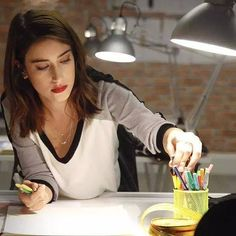 Hazal Kaya Feriha Y Emir, Actrices Hollywood, Turkish Beauty, Love Her Style, Girl Crushes, Beautiful Actresses, Beauty And The Beast, Celebrities, Stuffing