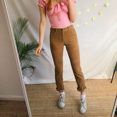 Lovely dark golden light brown vintage cord Chaps trousers💕💛 In a flattering low rise style, with slim legs and plenty of pockets💛 Perfect to pair with a. Corduroy Pants, Khaki Pants, Slim Legs, Platform Shoes, Vintage Outfits, Trousers, Tomboy, Dark, Brown