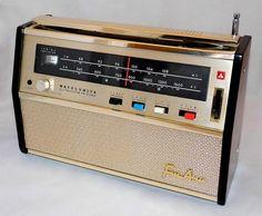 Vintage Matsushita (Panasonic) Portable Transistor Radio, Model T-35, FM-AM Bands, 10 Transistors, Made In Japan, Circa 1961