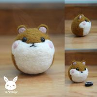 Felted Hamster by xxNostalgic on DeviantArt Felted Wool Crafts, Felt Crafts, Needle Felted Animals, Felt Animals, Needle Felting Tutorials, Hamsters, Felt Diy, Wet Felting, Felt Dolls