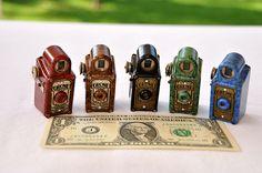 These Miniature Spy Cameras Could Make You The Perfect James Bond Antique Cameras, Old Cameras, Vintage Cameras, Covert Cameras, Small Camera, Hidden Camera, Box Camera, Camera Gear, Twin Lens Reflex Camera