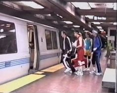 """Read more: https://www.luerzersarchive.com/en/magazine/commercial-detail/boocom-25956.html boo.com boo.com """"Plaza"""" + """"Subway"""" [01:00] This campaign features a bunch of typical computer geeks - bad bodies, pasty complexion, terrible haircuts - and has them wandering big city streets decked out in the latest sportsgear. Where they got that from is no great secret - sportswear can now be ordered on the internet at boo.com. Tags: Jeremy Craigen,Joanna Wenley,The Directors Bureau,Roman…"""