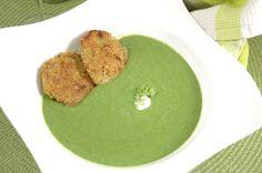 Es grünt so grün ... Gemüseexplosion im Garten.  http://www.umgekocht.de/2017/07/erbsen-spinat-rahmsuppe-mit-falafeltalern-2/ #frischgekocht #vegangenießen #glutenfrei #suppenwahn