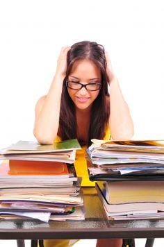 10 trucs pour survivre à la fin de session et aux examens!  Trucs d'organisation, gestion du stress, préparation, études et motivation!