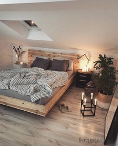 52 Comfy Attic Bedroom Design And Decoration Ideas bedroom Attic Bedroom Designs, Room Ideas Bedroom, Home Bedroom, Design Bedroom, Bedroom Rustic, Loft Bedroom Decor, Attic Bedroom Ideas For Teens, Loft Bedrooms, Bedroom Nook