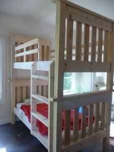 Ana White website shares a fabulous weekend project of creating a beautiful set of bunk beds. There are examples of these bunk beds painted in different co