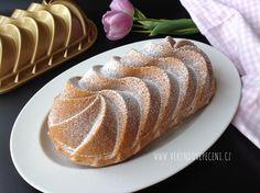 Šlehačková bábovka Healthy Cake, Pound Cake, Sweet Desserts, Food Hacks, Sweet Tooth, Cheesecake, Food And Drink, Bread, Baking