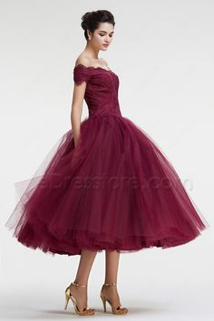 Vintage prom dresses princess prom dress off the shoulder evening dress tea length burgundy homecoming dresses >> I love this ballgown look. Especially with those gorgeous shoes! Burgundy Homecoming Dresses, Bridesmaid Dresses, Burgundy Dress, Vintage Homecoming Dresses, Princess Prom Dresses, Prom Gowns, Dress Prom, Tulle Dress, Lace Dress
