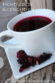 Hibiscus tea may help fight a cold and may even lower your blood pressure and cholesterol at the same time. One study even shows it helps battle diabetes. Hibiscus tea may help fight a Cold Remedies, Natural Health Remedies, Herbal Remedies, Holistic Remedies, Natural Blood Pressure, Blood Pressure Remedies, Tea Recipes, Real Food Recipes, Syrup Recipes
