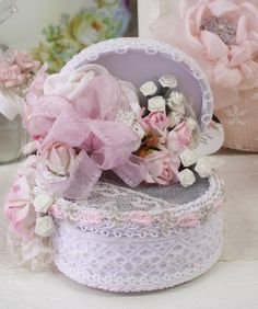 Oval Lace Sachet Box