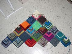I would like to do this with half of a log cabin block for each square