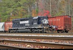 RailPictures.Net Photo: NS 3291 Norfolk Southern EMD SD40-2 at Frisco, Tennessee by Chris Starnes