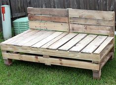 How to make Pallet Furniture - Patio Furniture Sectional | DIY Furniture | DIY | Outdoor Living | Home Decor | Patio Makeove | Patio Decor | Deck Decorations | Porch Decorations | Gardening