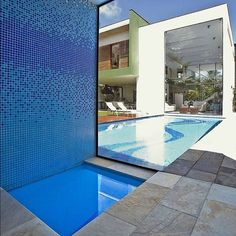 Acapulco House by FCstudio  #simplestcDSGN #interiors #fcstudio #design #naturallight #exterior #architecture #home #pastels #pooldesign #villa #modern #private #property #maison #guaruja #Brazil #stairs #family #dining #flaviocastro #perspective by simplestcdsgn Creative backyard pool designs.