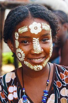 África-Sakalava-World Ethnic & Cultural Beauties