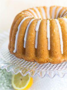 Maailman Paras Sitruunakakku | Annin Uunissa Baking Recipes, Cake Recipes, Dessert Recipes, Cakes Plus, Sweet Bakery, Sweet Pastries, Little Cakes, Coffee Cake, No Cook Meals