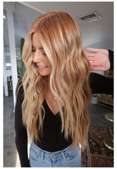 Strawberry Blonde Hair Color, Red Blonde Hair, Strawberry Blonde With Highlights, Blonde Hair With Copper Highlights, Blonde Hair Red Lowlights, Stawberry Blonde, Red Hair For Blondes, Strawberry Blonde Hairstyles, Shades Of Blonde Hair