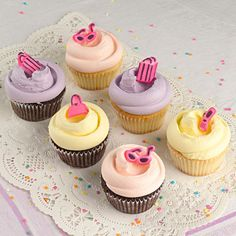 Let's Go Shopping Themed Cupackes from Magnolia Bakery #cupcakes #magnoliabakery #shopping #newyork #deliciousfood Baby Girl Cupcakes, Baby Cupcake, Sweet Cupcakes, Pink Cupcakes, Themed Cupcakes, Cupcake Cakes, Icebox Desserts, Cute Desserts, Yummy Treats